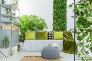 8 Reasons to Fall in Love With Living Green Walls, Inside or Outside Your Home